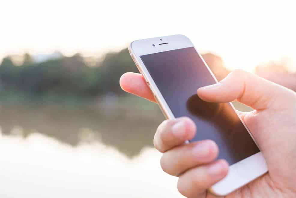 ilustrasi ponsel BM murah 4G LTE