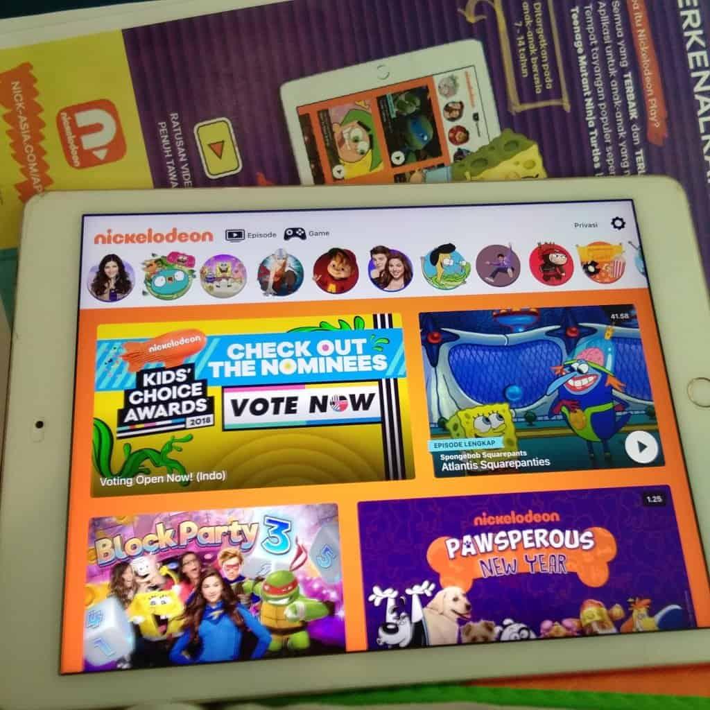 Tayangan favorit Nickelodeon dalam aplikasi Nickelodeon Play
