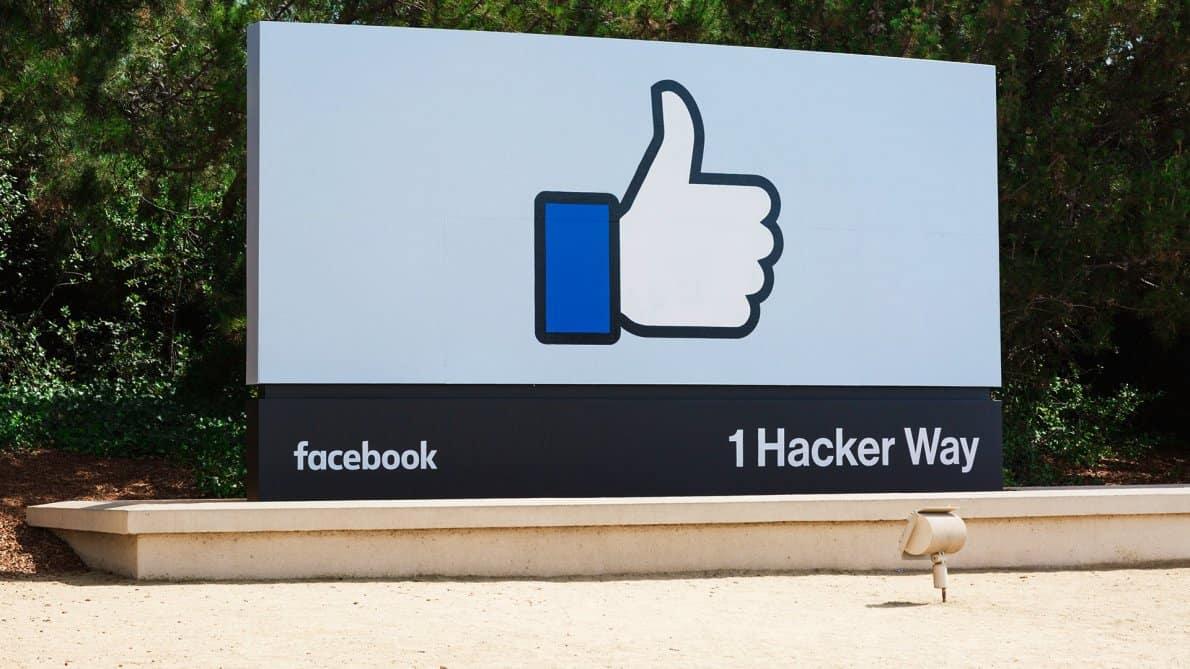 chip Facebook kemungkinan jadi proyek besar selanjutnya. Foto oleh marketingland.com