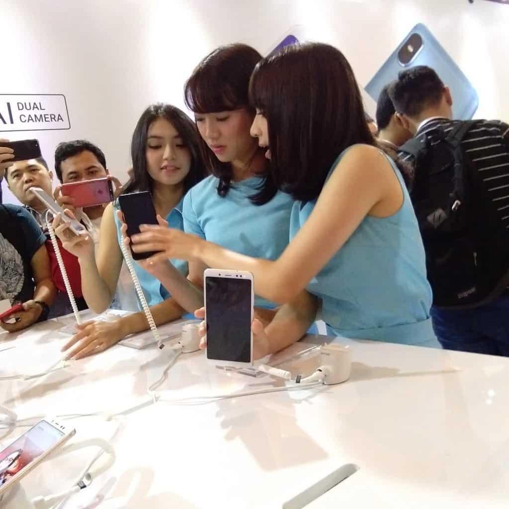 Xiaomi Redmi Note 5 diperkenalkan langsung oleh Xiaomi Indonesia Country Manager, Steven Shi