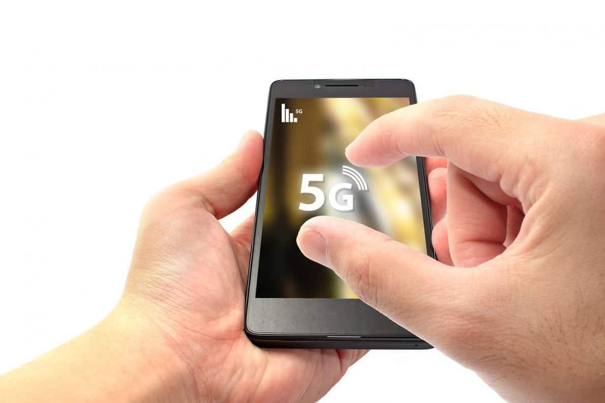Smartphone 5G Huawei. Foto oleh insidesources.com