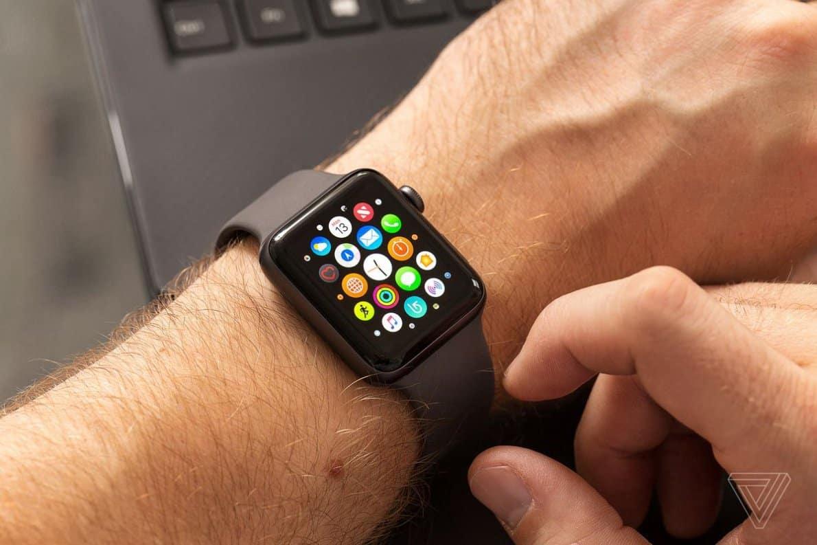 Apple Watch 4. Foto oleh theverge.com