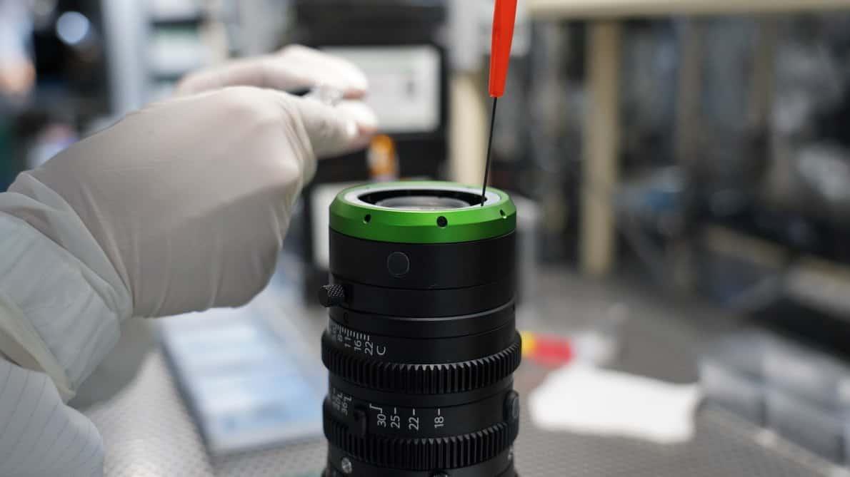 produksi lensa
