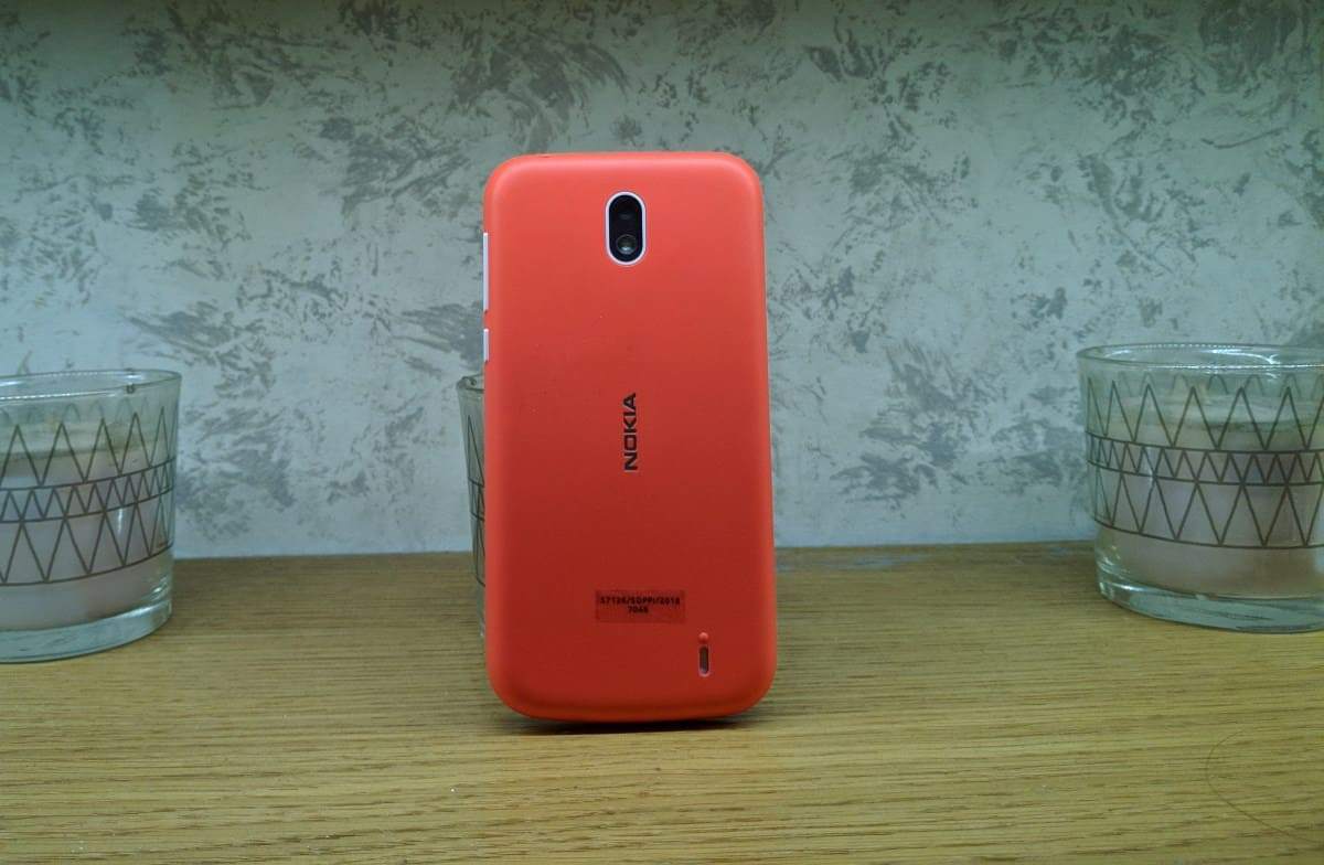 Nokia 1 back red