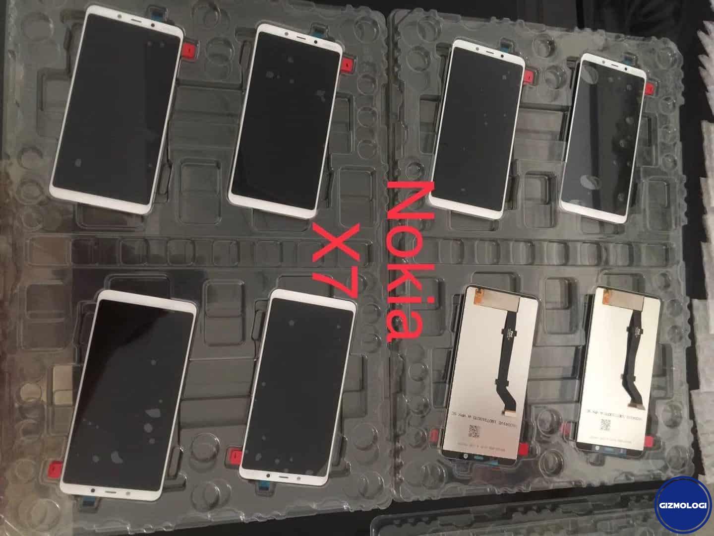 Panel Nokia X7, satu dari duo smartphone Nokia. Foto oleh nokiamob.net