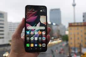 Huawei Mate 20 Lite atau Huawei Maimang 7. Foto oleh pocket-lint.com
