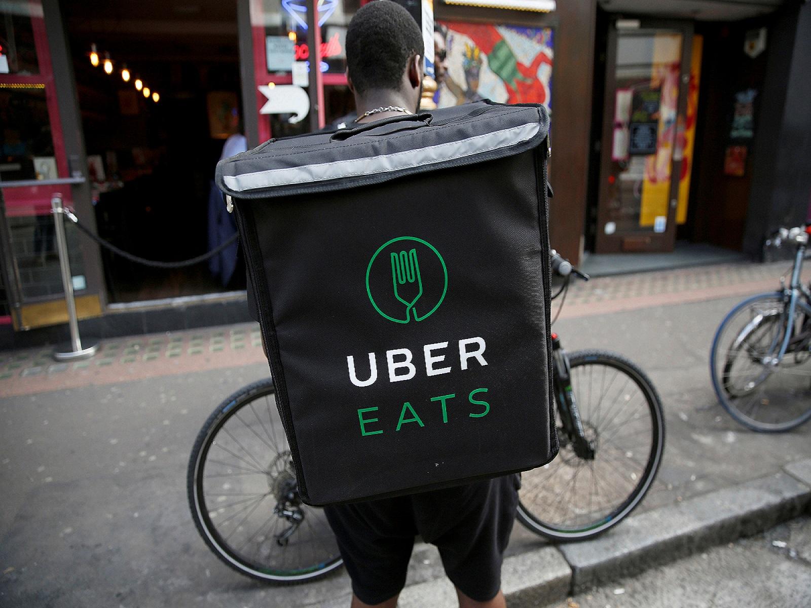 Drone pengantar makanan akan membantu layanan Uber Eats. Foto oleh ridesharingforum.com