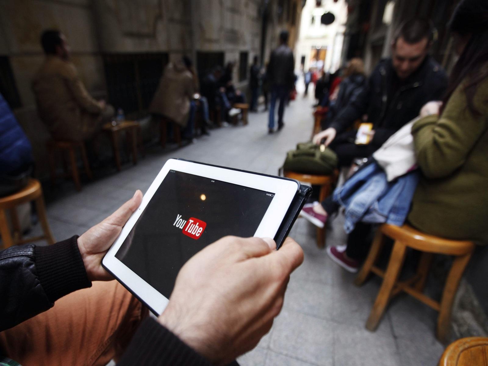 Investasi YouTube. Foto oleh brookings.edu