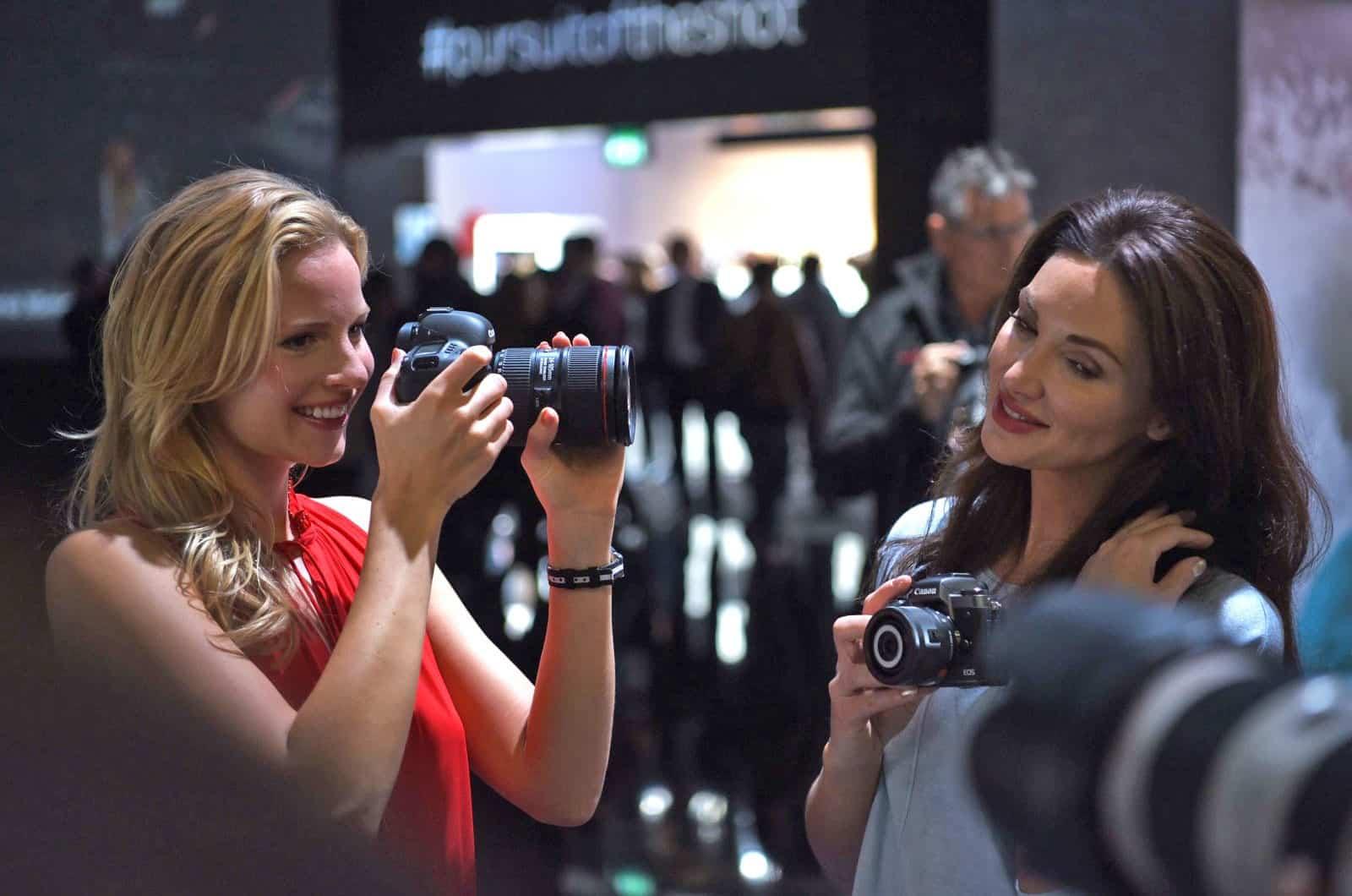 Keseruan Photokina 2018. Foto oleh engadget.com