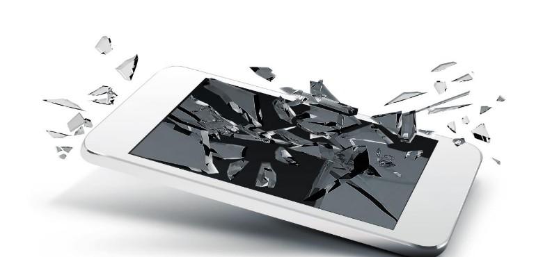 layar smartphone pecah