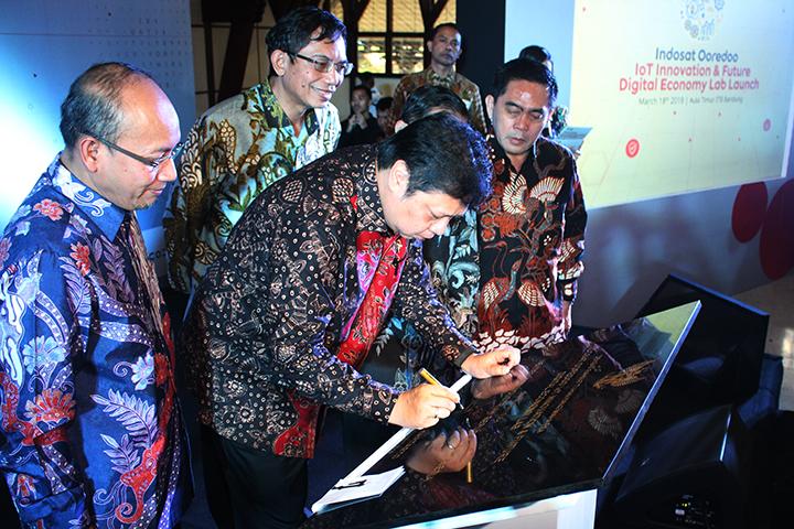 Peresmian Future Digital Lab di Institut Teknologi Bandung (sumber: http://www.kemenperin.go.id)