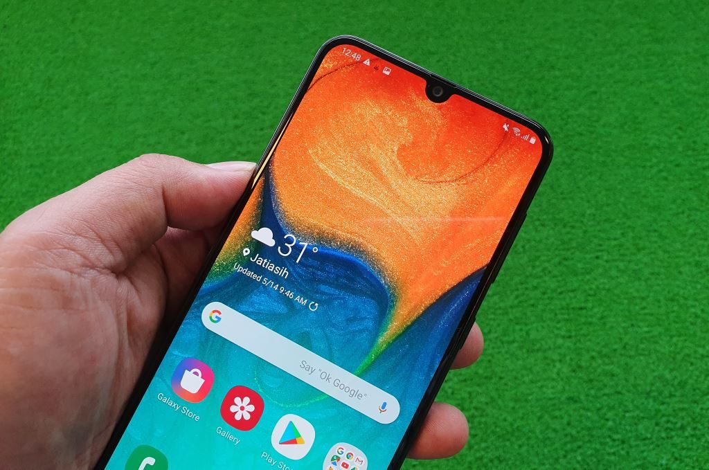 Samsung Galaxy A30 layar