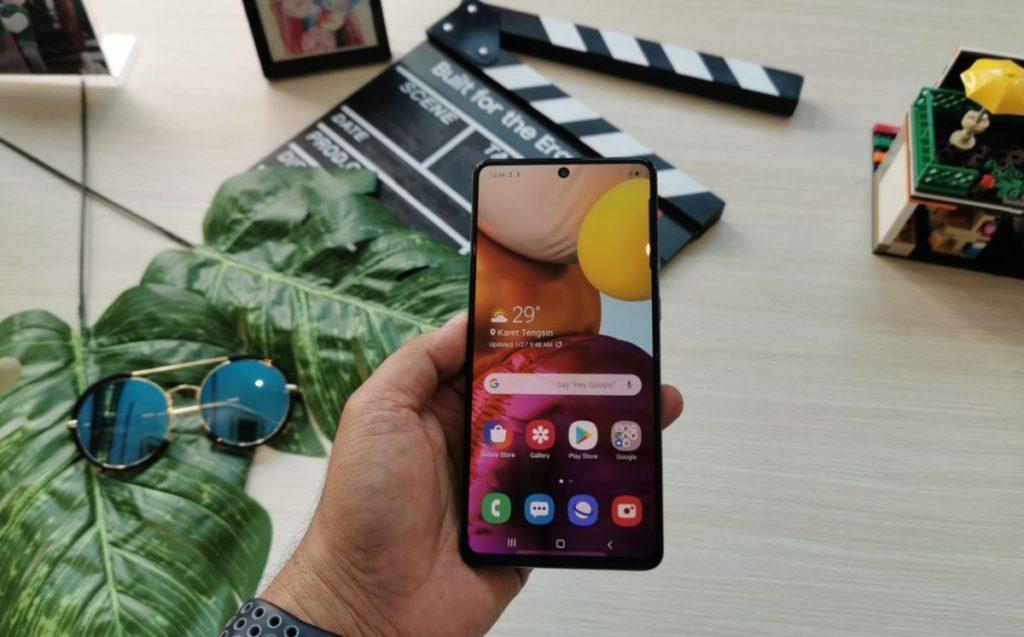 Samsung Galaxy A71 layar