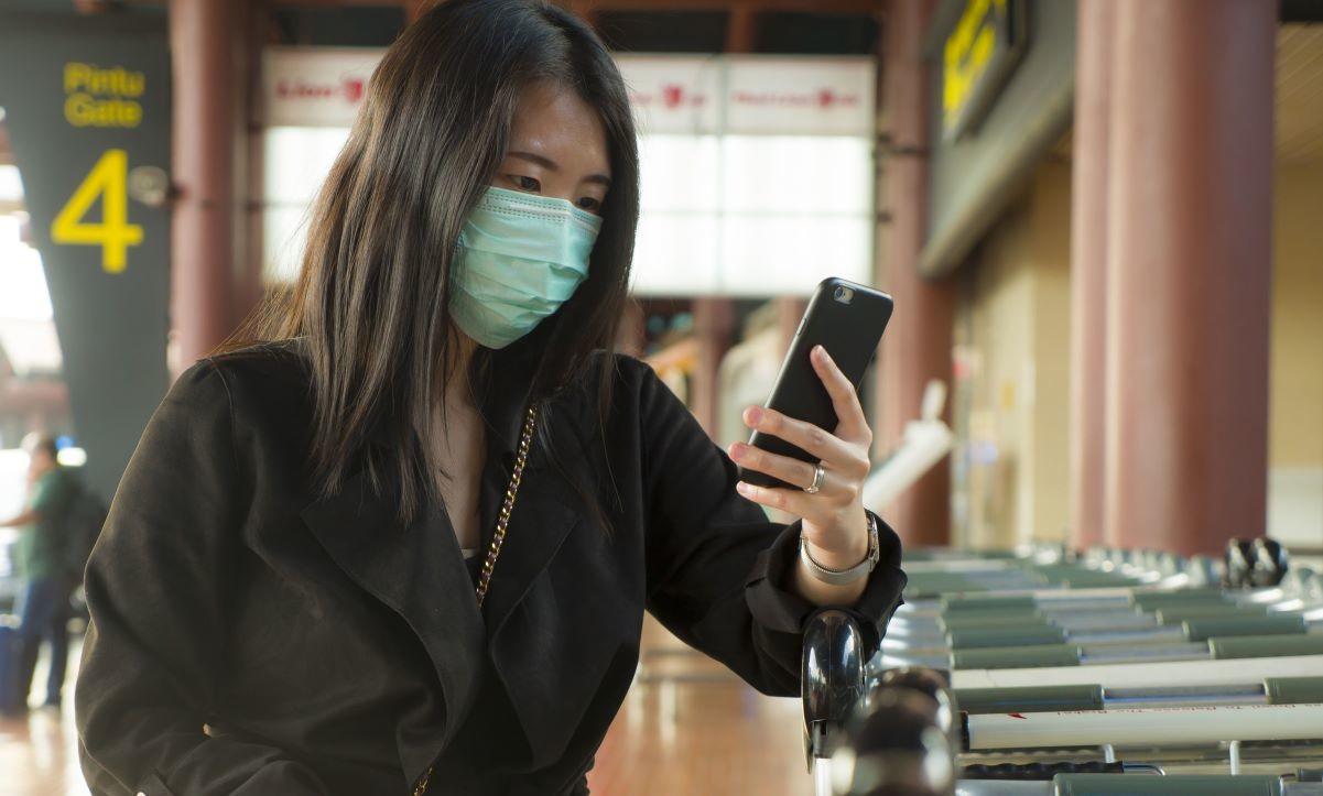 masker pencegah virus corona smartphone