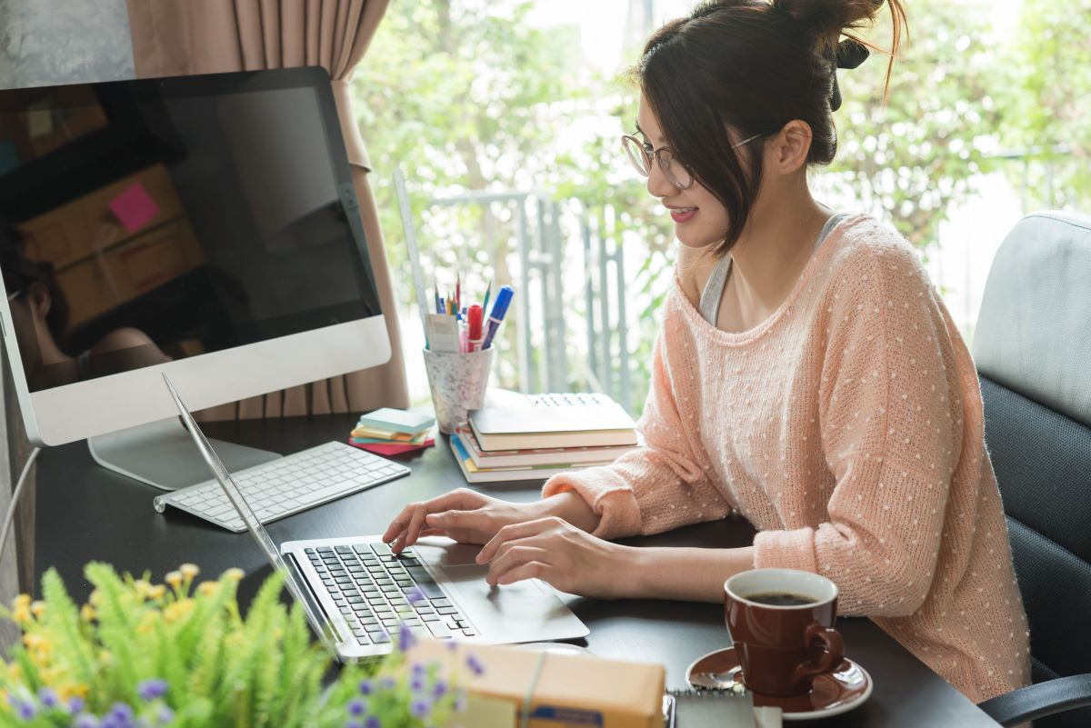 how to handle work stress: working from home
