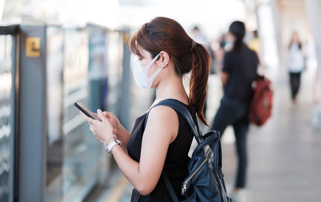smartphone 123rf jopanuwatd