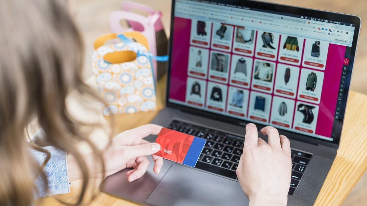 ilustrasi belanja e-commerce - 01
