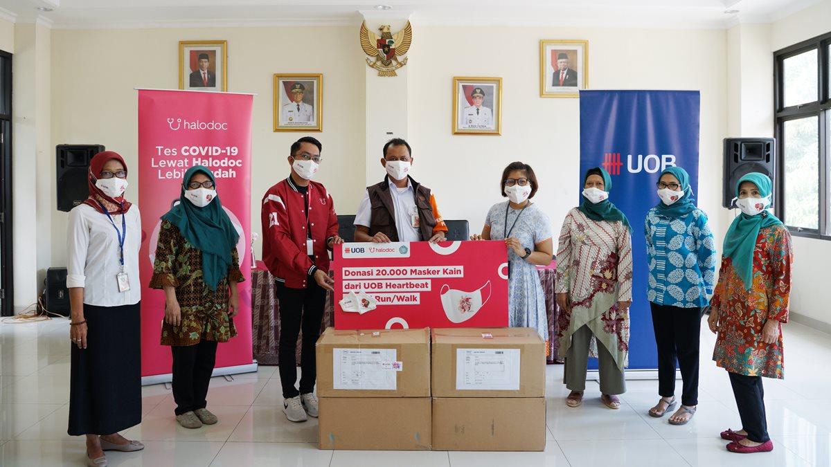 Donasi Topeng Halodoc - UOB Indonesia