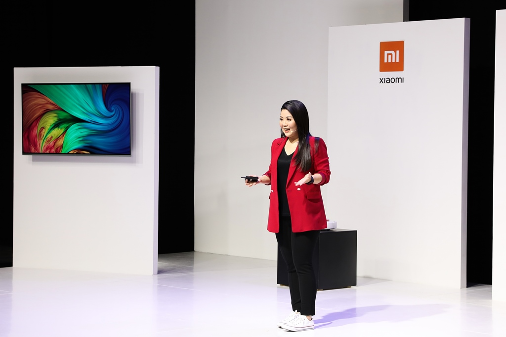 Head of PR Xiaomi Indonesia. Stephanie Sicilia saat perkenalkan produk ekosistem Xiaomi (8/12).