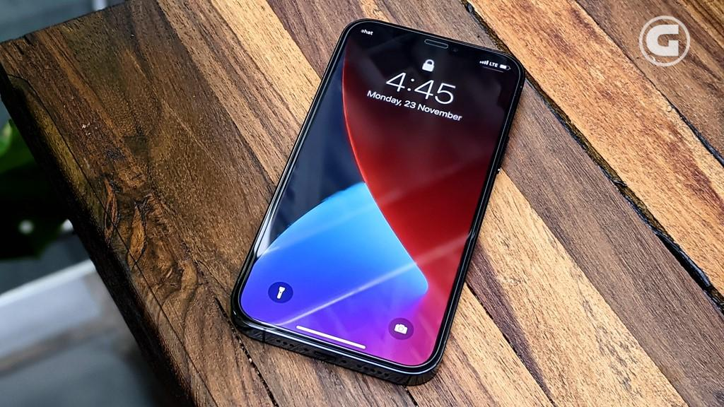 Layar iPhone 12 Pro