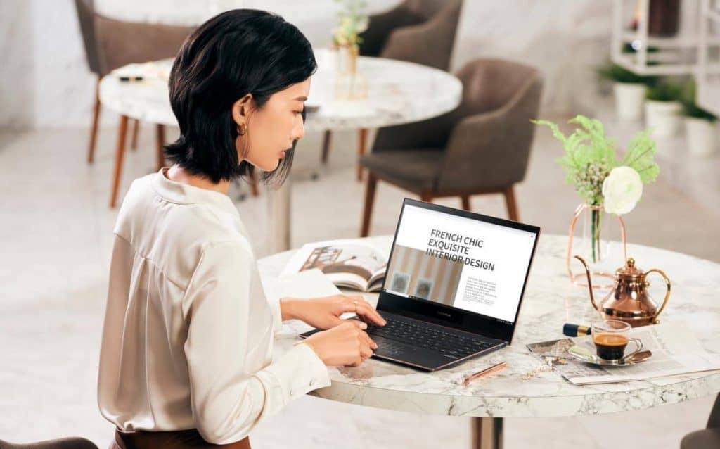 ASUS ZenBook Flip S (UX371) laptop