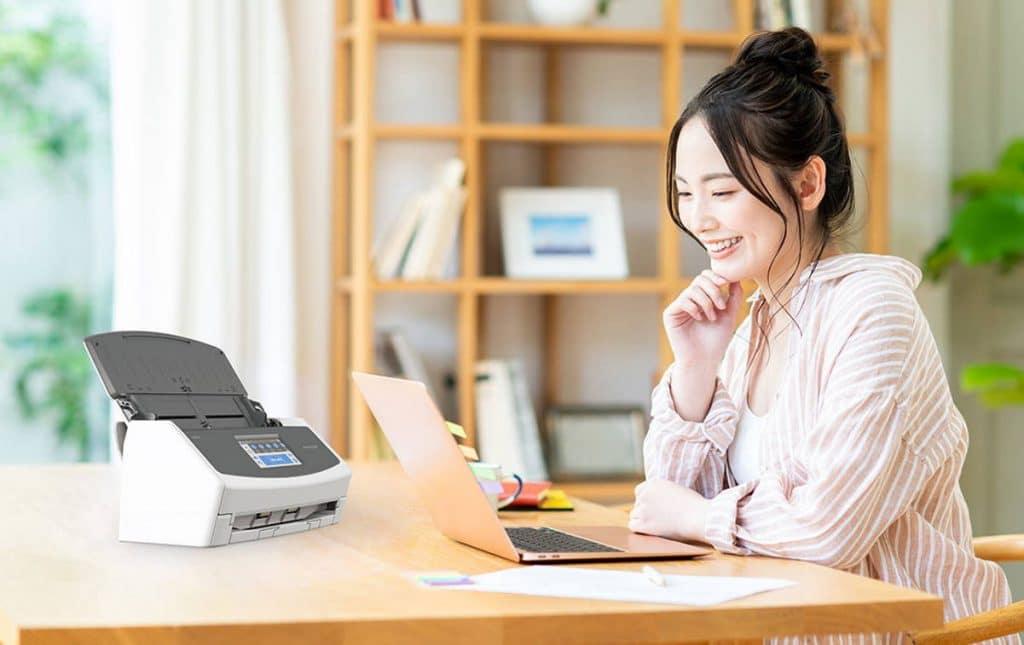Ilustrasi kerja WFH Fujitsu ScanSnap ix1600
