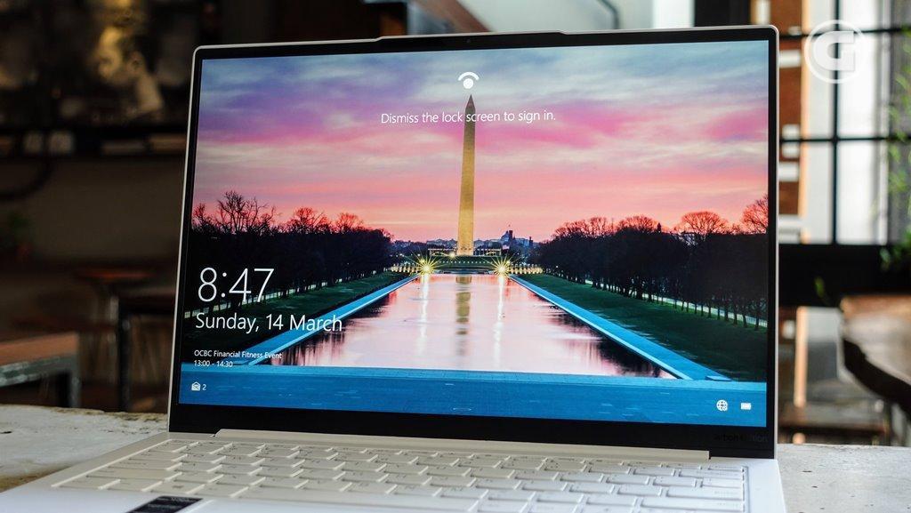 Layar Lenovo Yoga Slim 7i Carbon