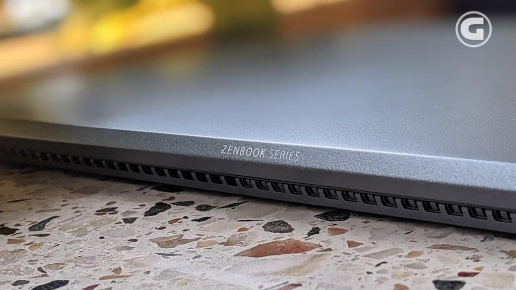 ASUS ZenBook 14 Ultralight